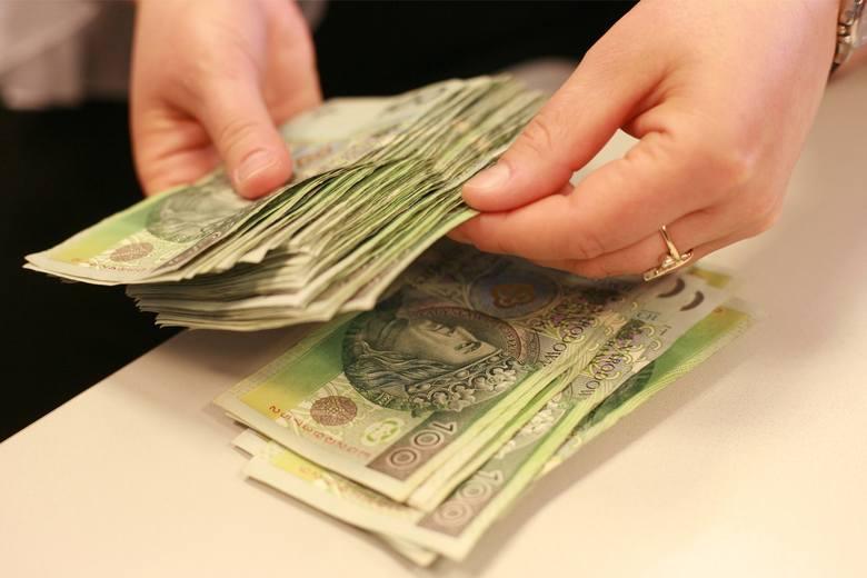 GUS opublikował najnowsze dane na temat wynagrodzeń w gospodarce narodowej w pierwszym kwartale 2020 roku.5121,42 zł to średnie wynagrodzenie brutto.Zobacz,