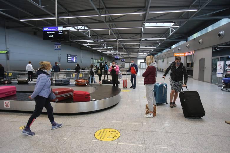 Obowiązkowa kwarantanna dla osób przyjeżdżających z RPA, Indii i Brazylii. Opublikowano rozporządzenie w Dzienniku Ustaw