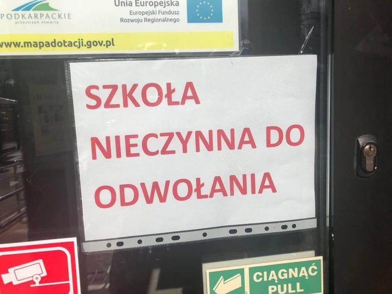 Koronawirus. Czytelnik: Panika w Leżajsku. Rodzice zabierają dzieci ze szkół!