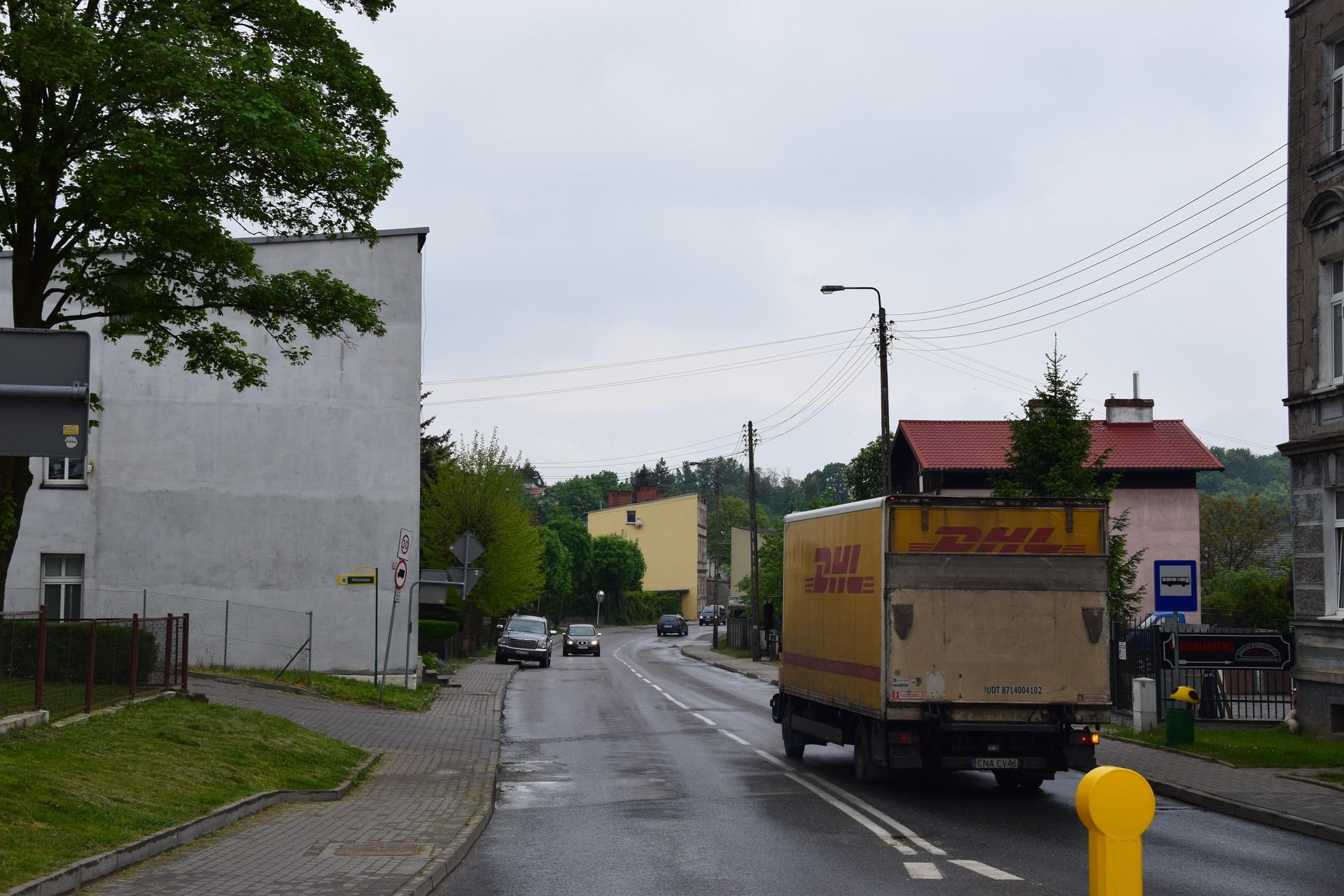 """""""Moja kamienica się trzęsła!"""" Czy wykopy w Chojnicach zagrożą murom? - Gazeta Pomorska"""
