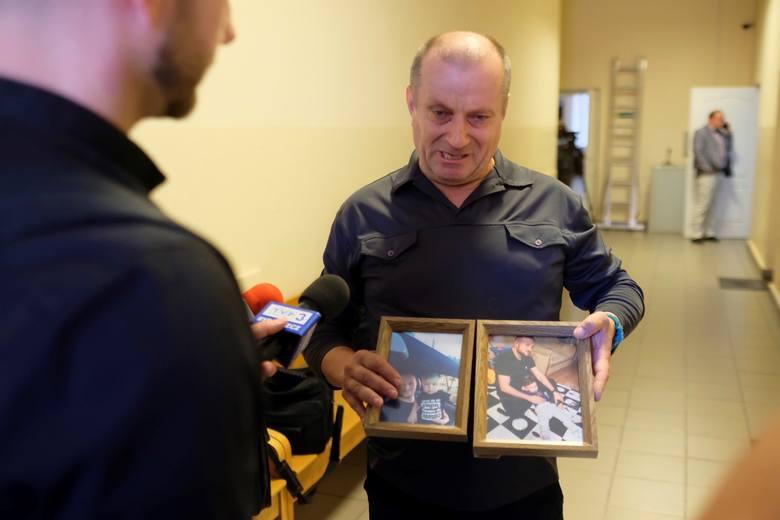 -Pomyłką to jesteś ty, człowieku! Nie masz szacunku dla ludzkiego życia- mówił dziś w sądzie Wojciech Skrucha, ojciec zabitego w karambolu 28-latka.