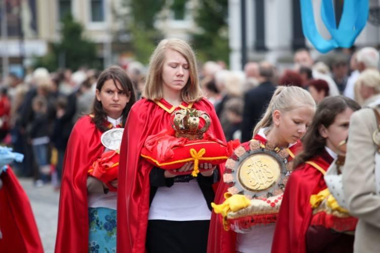 Katolicy obchodzą dzisiaj uroczystość Najświętszego Ciała i Krwi Chrystusa