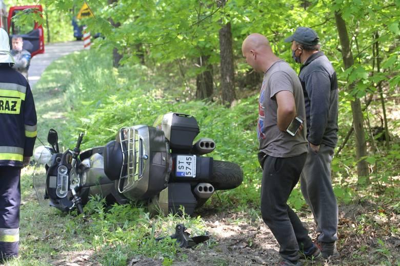 Wypadek w Furmanach - ranne dwie osoby jadące motocyklem (ZDJĘCIA)