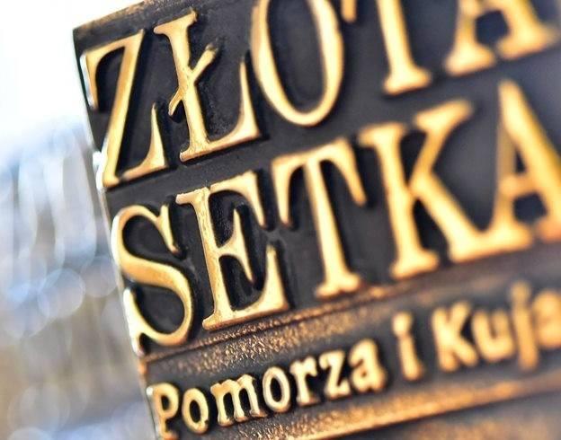 """Fragment statuetki """"Złotej Setki Pomorza i Kujaw"""""""