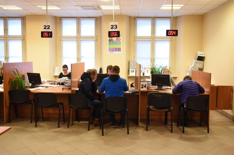 Wszystkie zaktualizowane informacje na temat Programu 500   i potrzebne dokumenty można uzyskać np. w Poznańskim Centrum Świadczeń