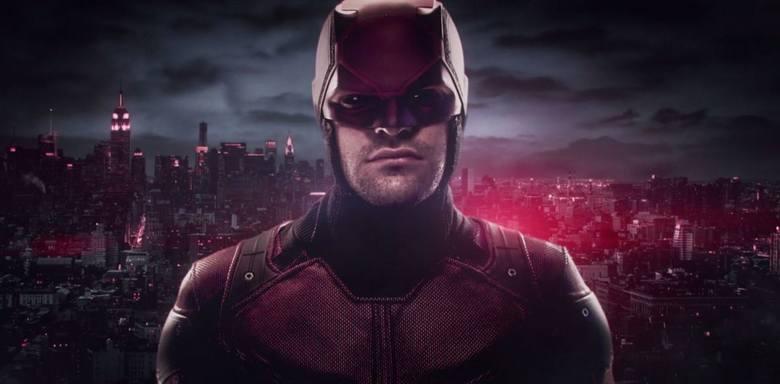 DaredevilPierwszy superbohaterski serial Marvela od Netflixa. Matt Murdock jest niewidomym prawnikiem za dnia, a w nocy zamaskowanym bohaterem. Serial