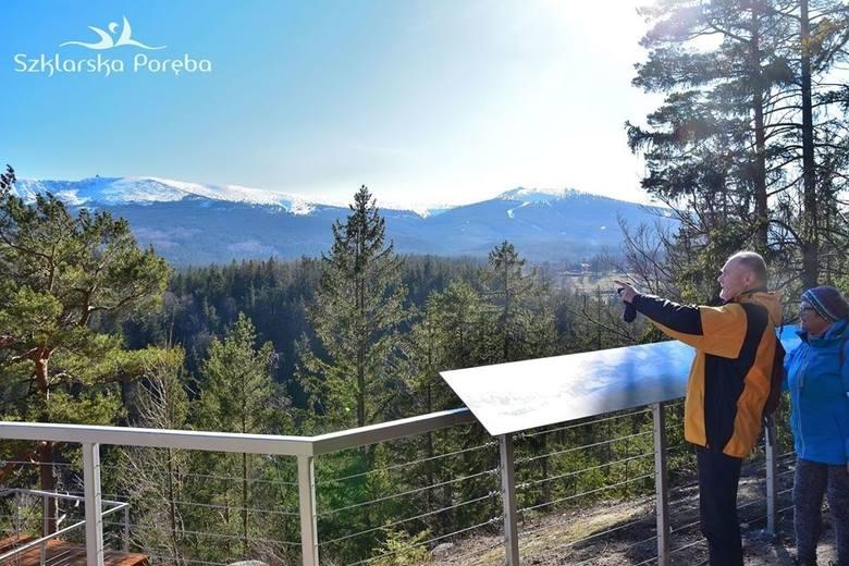 Nowy, otwarty tej wiosny, taras widokowy w Szklarskiej Porębie, z pięknym widokiem na całe Karkonosze. Punkt działa na Złotym Widoku. Jak tam dotrzeć?