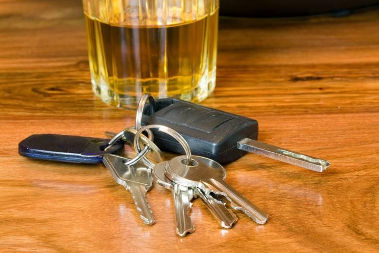 Kierowcy, jeśli sąd zdecyduje się na wymierzenie surowej kary, grożą nawet dwa lata więzienia.