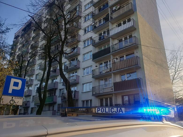 Dziecko wypadło z okna na XI piętrze wieżowca na Górnej. Dziewczynka zginęła na miejscu