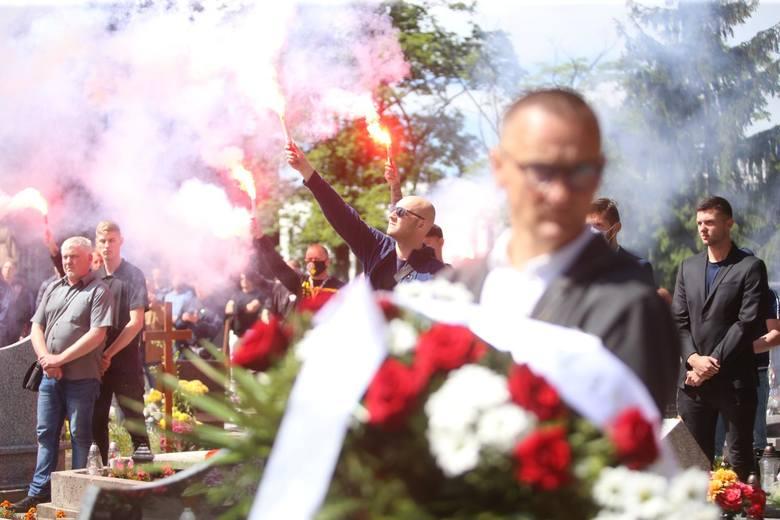 Pogrzeb Piotra Rockiego odbył się przed sobotnim południem w Zabrzu. Byłego piłkarza m.in. miejscowego Górnika, Odry Wodzisław, Dyskobolii Grodzisk Wielkopolski,