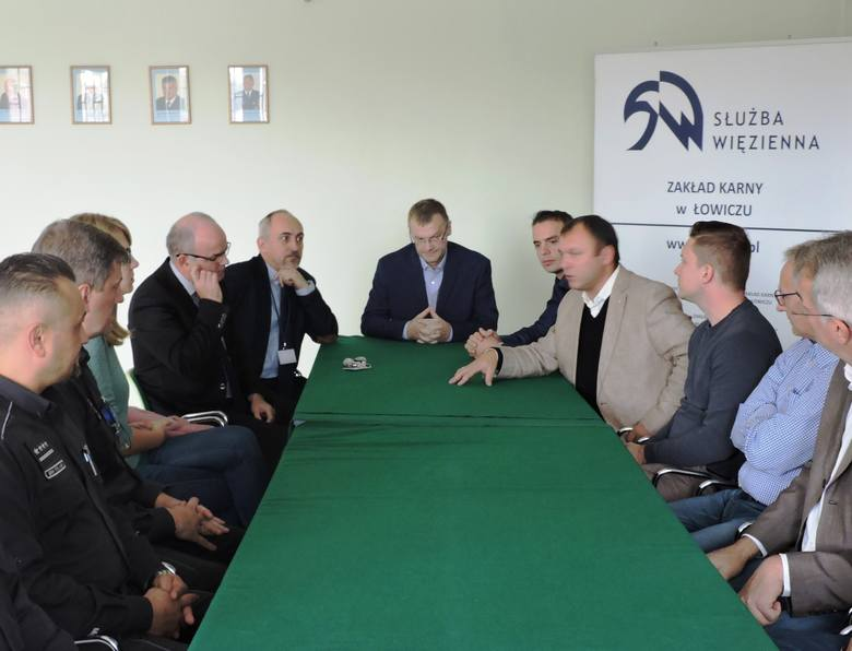 Niemieccy więziennicy z wizytą w Zakładzie Karnym w Łowiczu [ZDJĘCIA]