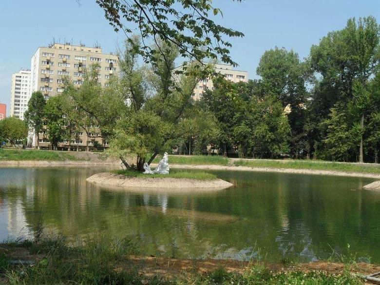 Park miejski im. Franciszka Kachla w Bytomiu zielona przestrzeń w centrum Bytomia. Historia parku liczy już ponad 170 lat. Nie dziwi zatem, że figuruje