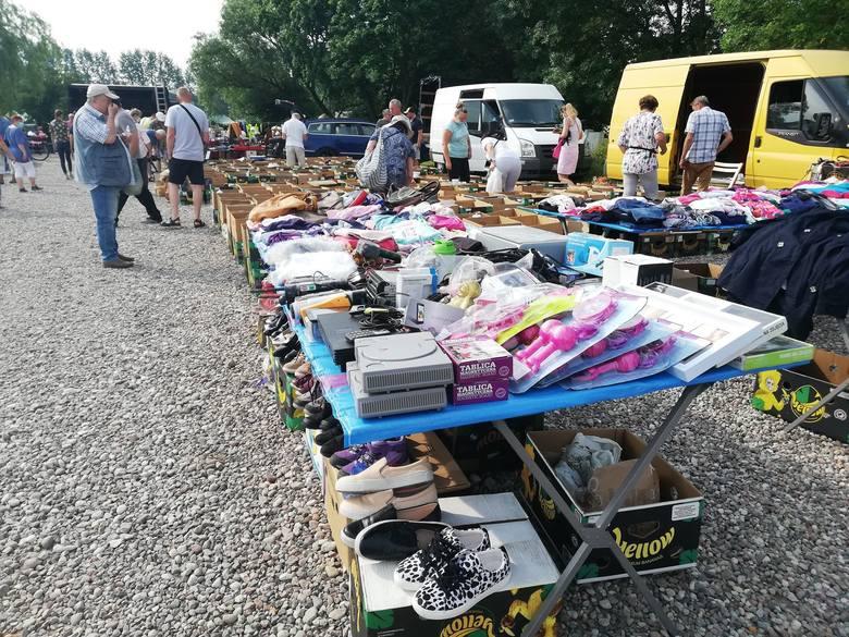 Zobaczcie najnowsze zdjęcia z giełdy w Koszalinie. Dzisiaj nie ma tłumów.