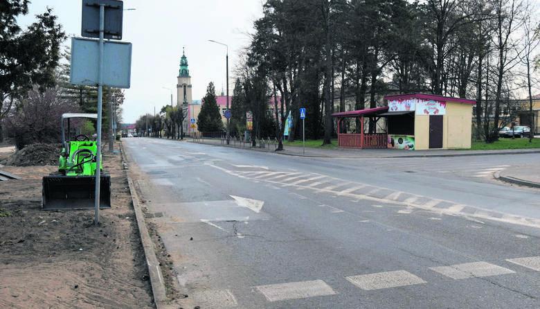 Niewielkie ruch na ulicach, nieliczni rowerzyści, którzy zawsze stanowili bardzo charakterystyczny element pejzażu miejskiego, niewielki ruch w sklepach