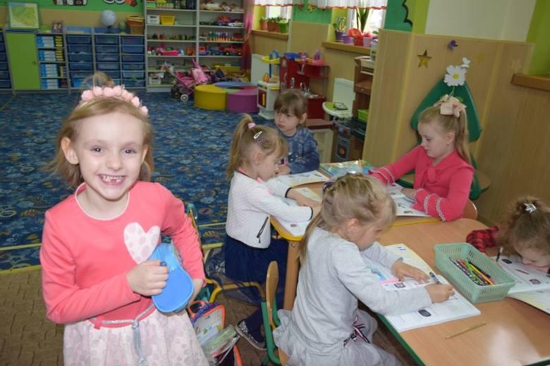 Szkoła Podstawowa im. Stefana Kardynała Wyszyńskiego obchodzi jubileusz 100-lecia. Obecnie uczy się tu 90 uczniów i 18 maluchów w oddziale przedszkolnym.