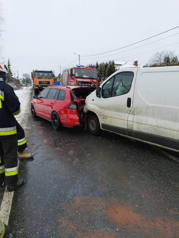 Zderzenie dwóch pojazdów w Liszkach na drodze wojewódzkiej 780