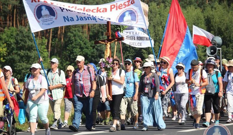 W poniedziałek 38. Kielecka Piesza Pielgrzymka na Jasną Górę pokonała dystans 31 kilometrów z Koniecpola do Mstowa. We wtorek 13 sierpnia ostatni etap