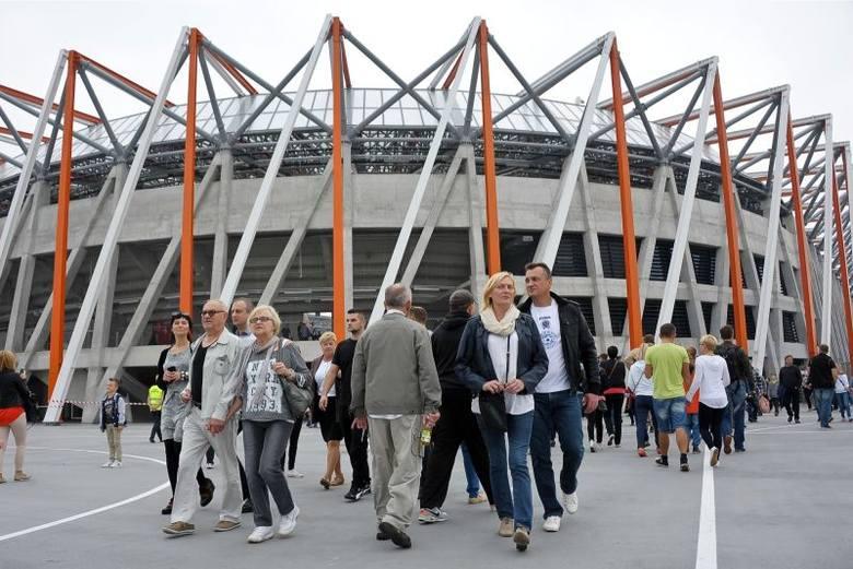 Stadion miejski dostał Kryształową cegłę (zdjęcia)