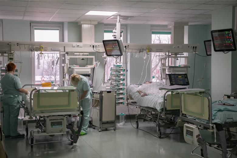 Bakteria New Delhi pojawiła się w szpitalu w Sieradzu. Nazywana jest super bakterią ponieważ jest odporna na kurację antybiotykami i w skrajnych przypadkach