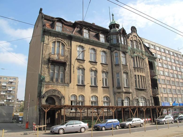 Budynek przy ul. Zwierzynieckiej 20 kryje wiele tajemnic i pamięta różne historie. Znasz je? Weź udział w akcji