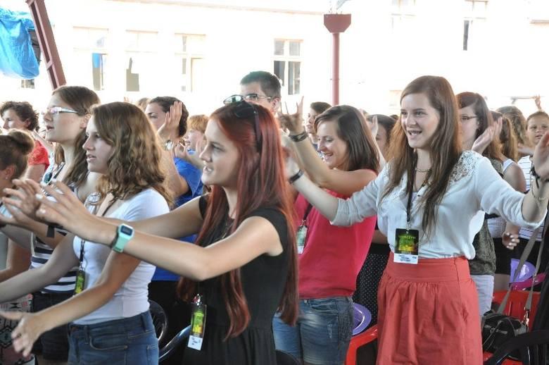 750 młodych ludzi przyjechało do Wołczyna na Spotkanie Młodych, organizowane przez zakon kapucynów.- Przyjechała młodzież z całej Polski, a także z Ukrainy
