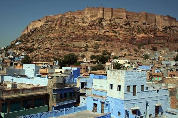 Podróz po Indiach<br /> Widok z hotelowego dachu na fort. Jodhpur, Radzastan.
