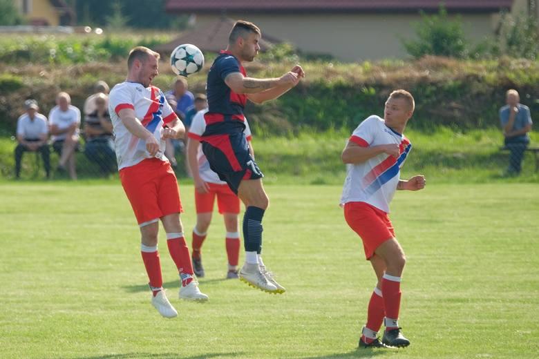 W meczu 2. kolejki klasy A Przemyśl, San Hureczko wygrał u siebie z Wiarem Huwniki 4:2.San Hureczko – Wiar Huwniki 4:2 (3:0)Bramki: Marciniak 2, 11,