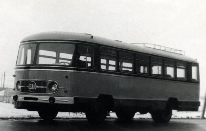 Na kolejnych zdjęciach autobusy produkowane przez sanocki Autosan w ostatnim stuleciu. Zobaczcie wszystkie. Warto!