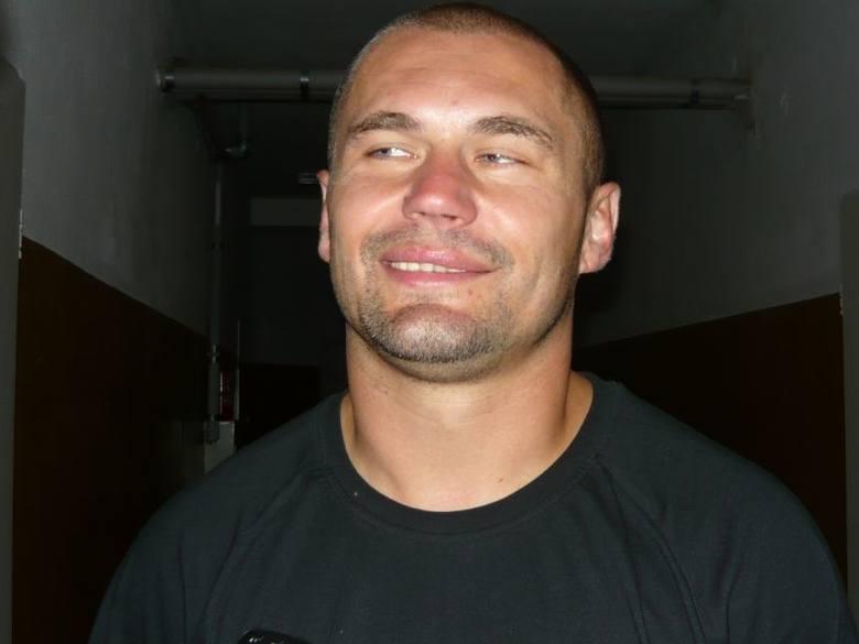 Tomasz Szmuc (ur. 20 sierpnia 1974 r.) - były piłkarz, obecnie trener instruktor. Jest szkoleniowcem Pogoni Leżajsk.Karierę piłkarską rozpoczynał w Pogoni