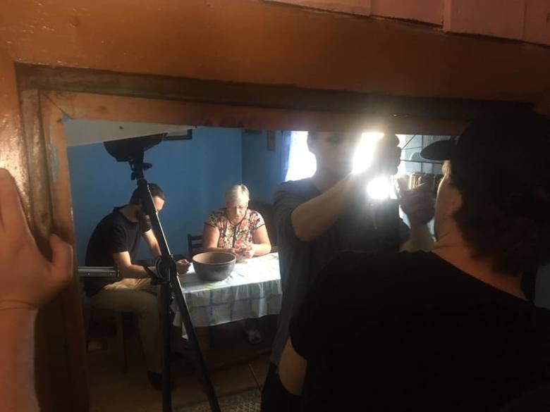 Filmowcy pracowali już między innymi w domu w Kobylniku Stary udostępnionym przez jednego z mieszkańców.