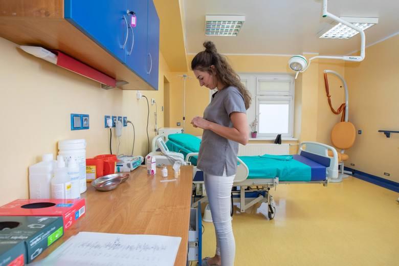 Dagmara i Wit z córeczką Gabrysią, urodzoną kilka dni temu w szpitalu MSW