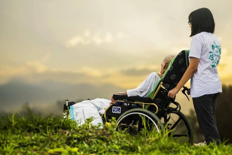 Do ZUS wpłynęło 15,5 tys. wniosków o 500 plus dla niepełnosprawnych
