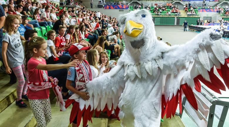 Około 3 tysięcy kibiców zgromadzonych w bydgoskiej Łuczniczce dopingowało reprezentację polskich siatkarek, która pokonała Argentynę 3:0 w pierwszym