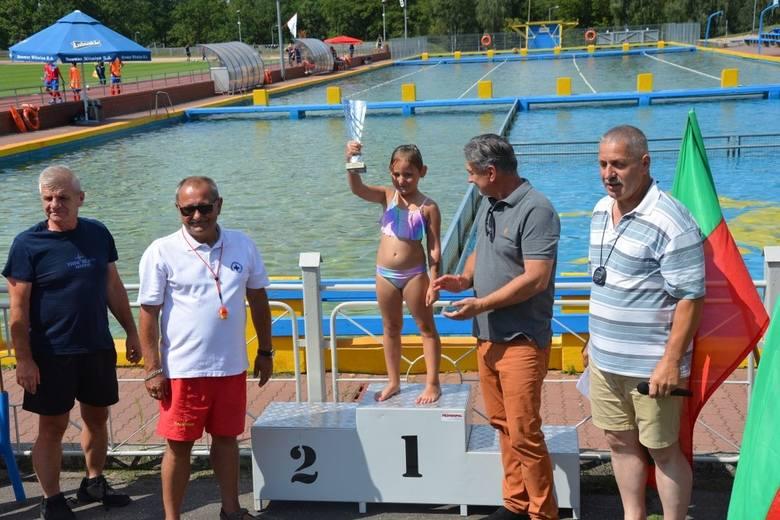 Słubice: Na terenie Słubickiego Ośrodka Sportu i Rekreacji odbył się festyn pływacki. Ależ tam się działo! [ZDJĘCIA]