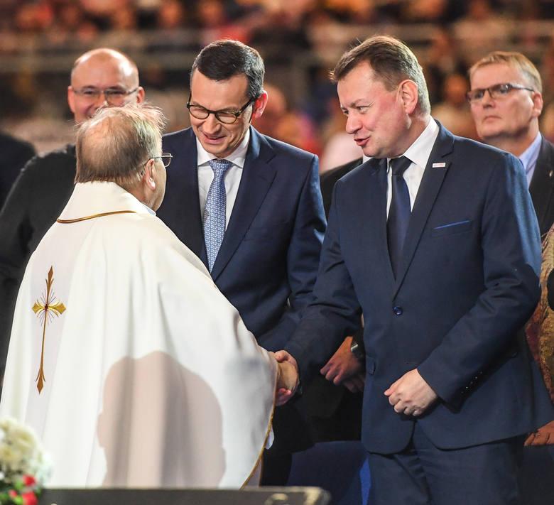 Na 27. urodziny Radia Maryja zjechali nie tylko pielgrzymi z całego kraju, ale także czołowi, polscy politycy. Jak co roku, nie mogło zabraknąć przedstawicieli