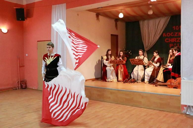 Dariusz BrożekKoncert zespołu Antiquo More był ostatnim akordem obchodów 1.050 rocznicy Chrztu Polski, które odbyły się w sobotę, 16 kwietnia w Bledzewie.