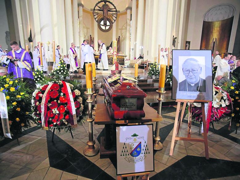 Eucharystia pogrzebowa w katowickiej katedrze miała wzruszający charakter