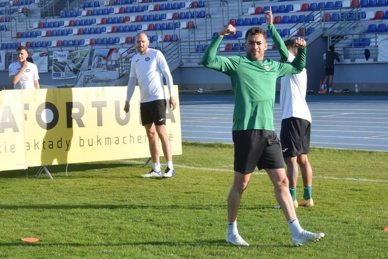 Po piątkowym zwycięstwie 1:0 z Zagłębiem w Sosnowcu, sobota była dniem wolnym od zajęć. Do treningów podopieczni trenera Dariusza Banasika wrócili w