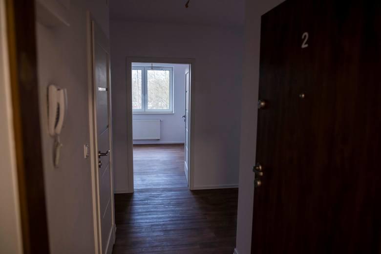 Mówimy o 0,5 mld złotych rocznie. Jest to kwota odpowiadająca wartości 1-2 tysięcy mieszkań w Polsce.