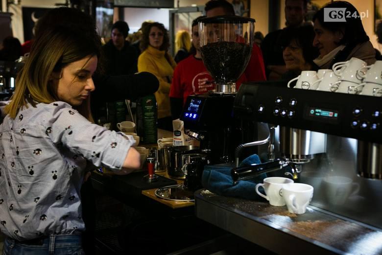 Miłośnicy kawy spotkali się w Starej Rzeźni [ZDJĘCIA, WIDEO]