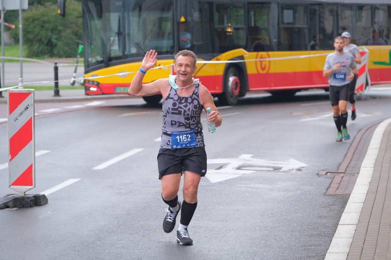 42. PZU Orlen Maraton Warszawski został podzielony na cztery tury, w każdej po 250 zawodników. Przed startem tradycyjnie rozbrzmiał utwór Czesława Niemena