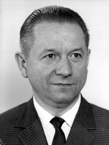 Partia postawiła towarzysza Babiucha na  czele rządu 10 lutego 1980 r., przesuwając go z równie nieistotnego stanowiska zastępcy przewodniczącego Rady