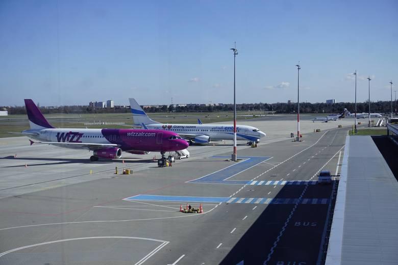 Poznańskie lotnisko Ławica w tym roku prawie stale notuje spadki liczby pasażerów. Podobnie było w sierpniu. Na Ławicy znowu obsłużono mniej pasażerów