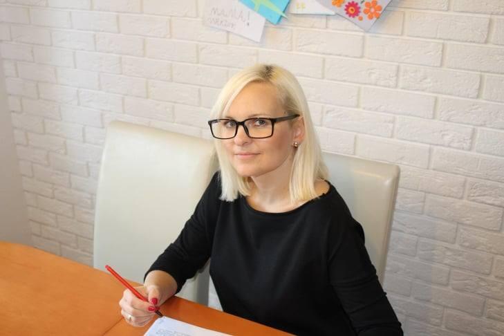 """Agnieszka Jankowiak-Maik, nauczycielka historii w III LO w Poznaniu. Na facebooku znana jako """"Babka od Histy"""""""