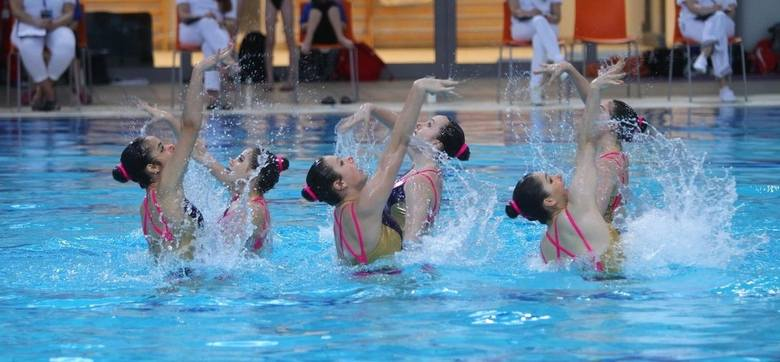 KobietyDuety, program dowolny (3.08):1. Swietłana Kolesniczenko, Swietłana Romaszina (Rosyjski Komitet Olimpijski)2. Huang Xuechen, Sun Wenyan (Chiny)3.