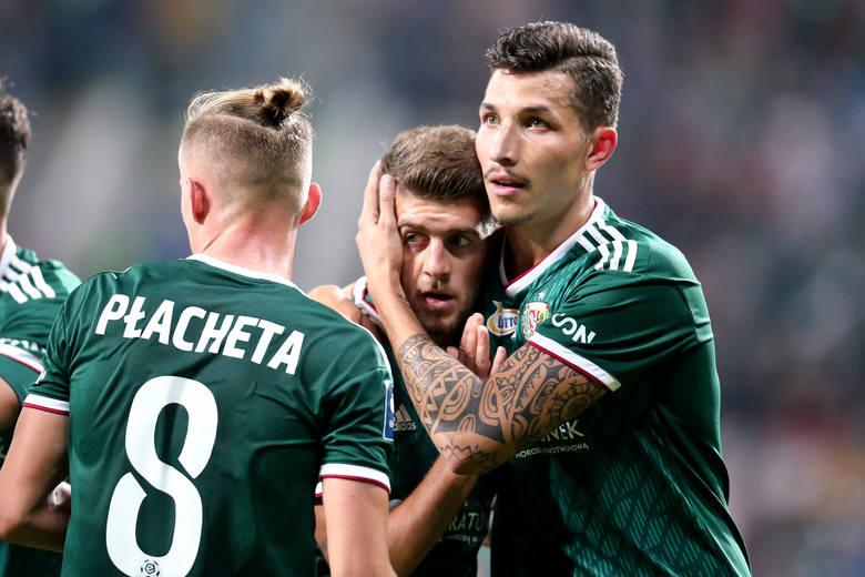 Śląsk Wrocław zremisował z Rakowem Częstochowa 1:1 w meczu 27. kolejki PKO Ekstraklasy. Był to pierwszy ligowy mecz w Polsce po pandemii, rozegrany przy