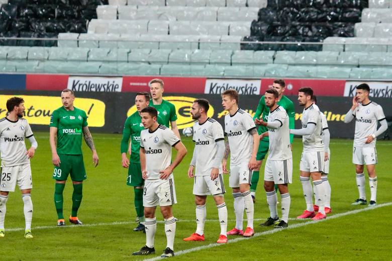 W 22. kolejce PKO Ekstraklasy Legia Warszawa zagra na wyjeździe z Zagłębiem Lubin. Trener Czesław Michniewicz ma przed starciem z ósmą drużyną ligi spory