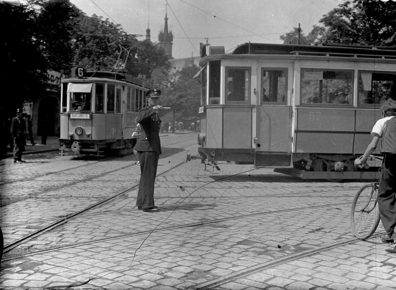 Tramwaje przed 1945 rokiem w Krakowie, nie uwierzysz, gdzie kiedyś były szyny [GALERIA]