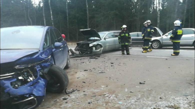 Do zdarzenia drogowego doszło w niedzielę około godziny 15.54 na DK 65 na trasie Knyszyn - Kozińce (w okolicach wsi Chraboły). Ze wstępnych ustaleń policji