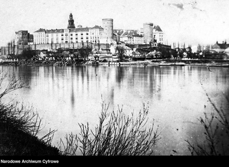 autor nieznany, Widok ogólny od strony Wisły, 1865–1975 / Narodowe Archiwum Cyfrowe<br />